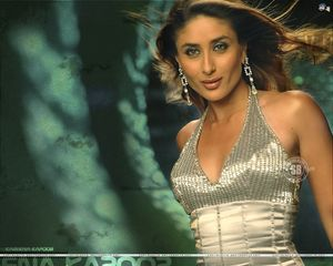 Kareena Kapoor Wallpapers, news & videos: November 2010