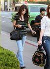 Gossip&Gossip: Selena Gomez vai �s compras com Jennifer Stone