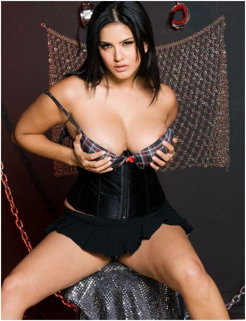 Sunny Leone Indian Porn Star Lesbo