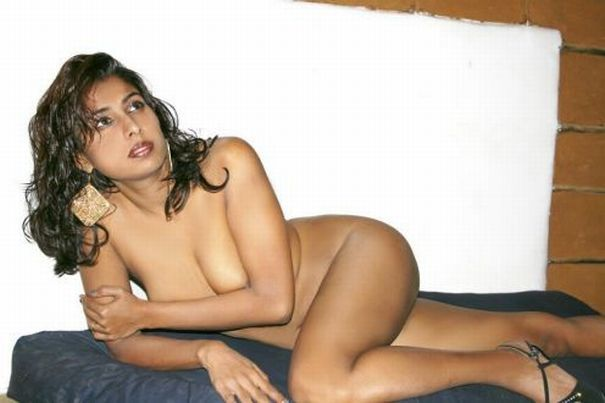 Desi Big Boob Indian Aunty Fuck For Physical