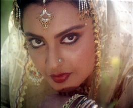Result for: mature rekha nude