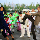 Aksi Lawak Bodoh Terbaru Mr.Bean Mengemparkan Seluruh Shanghai! - Pejam Kelip