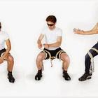 Chairless Chair, Duduk Tanpa Menggunakan Kerusi Yang Menakjubkan. ~ Gaban Comel
