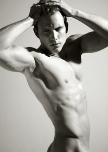 yerrow asian - Maxwell Zagorski | Mariano Vivanco