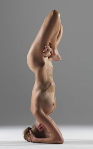 illsharewithyou:Follow illsharewithyoumovement-and-yoga:Naked Yoga