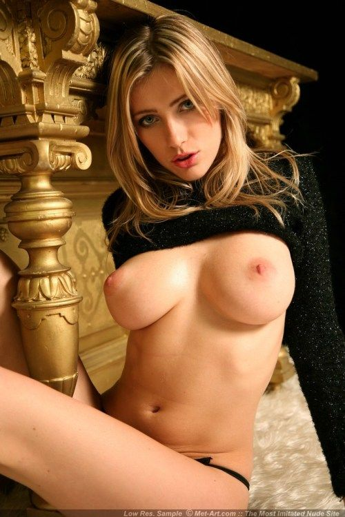 Blonde Girl With Dark Pussy Free Cam Sex