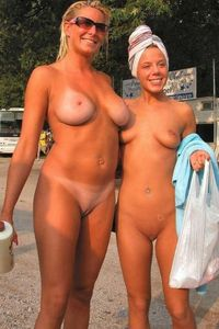 gorgeous mother and daughter nudists