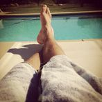 New: Justin Bieber's feet + hairy legs , from Instagram (15.10.13)