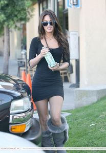 Megan Fox - Legs - Wardrobe malfunction