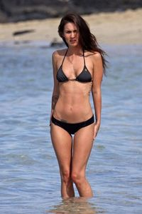 Megan Fox - Bikini - Wardrobe malfunction