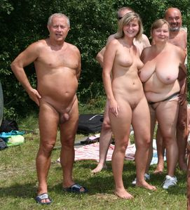 riders and public nudity, motheranddaughterbeauty: nudist family