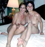momdaughter pose nude