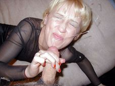 ed7708:I don�t know why my boys love to cum on mommy�s face so