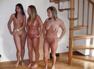 mom+daughters nude