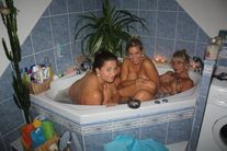 momdaughters bath 10 | MyXXXTravel