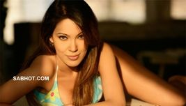 Munmun dutta in bikini hot photos