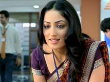 Yami Gautam Hot in Saree Pics