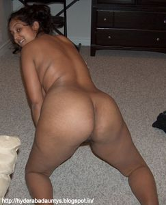 hot sexy desi indian aunty revathi took off her clothes and exposed