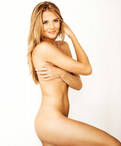 fyi petenis berpose topless di majalah