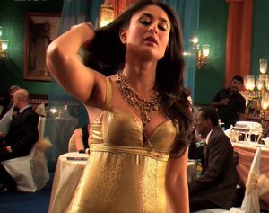 images kareena kapoor hot and spicy stills kareena kapoor spicy pics