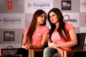 Shazahn and Zarine Khan Hot big boobs breast cute - Housefull 2 Game