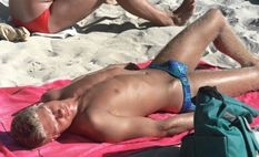 HardInMySpeedos (I�d look twice, wouldn�t you?)
