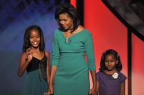 USA Today: Barack Obama Kids Malia Ann and Sasha Picture Gallery