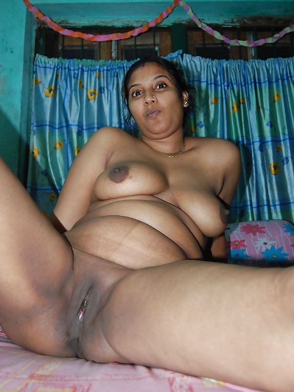 Hot Mature Bhabhi With Uncle Fucked At Home