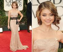 Sarah Hyland wore this dress perfectly. I love the nude lace paired
