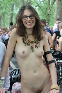 GOOD NAKED: Nudist Women BONUS Photo of the Day 02/22/11