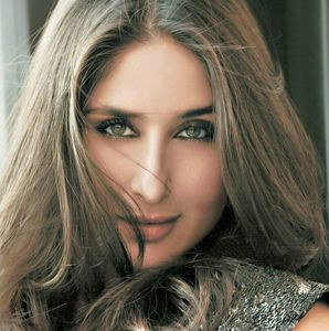 Kareena Kapoor Hd Face Close Up Wallpaper