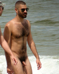 love a man who shows off that natural hairy body