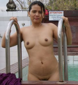 INDIAN NUDE KAMASUTRA: Hot Hyderabad Aunty Bathing pic