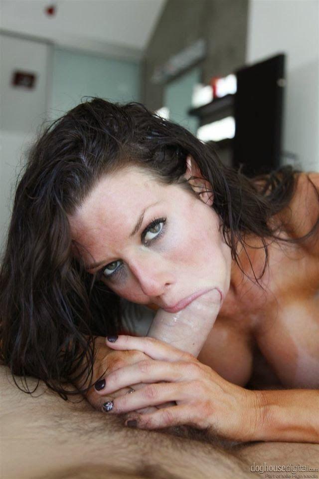 Busty Milf Pro Veronica Avluv Gagging