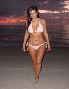The Funtoosh PageHave Fun Bath !!!: Kim Kardashian - Bikini