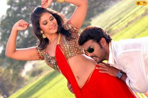 Tamil Cinema Actors and Actress Wallpapers: Kalakalappu Stills,Masala