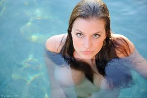 Danielle Ftv Model Pool Fun Picture Gallery ~ WallpapeR FunS
