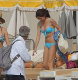 selena gomez breast implats selena gomez breast surgery