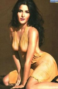 KATRINA KAIF INDIAN MOST SEXY ACTRESS: Surprise, Surprise - Katrina