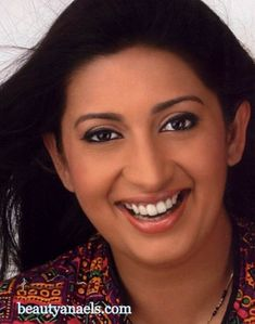 LOVELY HOUSE WIFE AUNTIES: Hindi Tv Serial Actress Smriti Irani