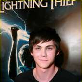 Logan Lerman - VIDEOPREMIUM