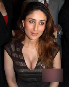 Kareena Kapoor Hot Huge Cleavage IndianapeBlog