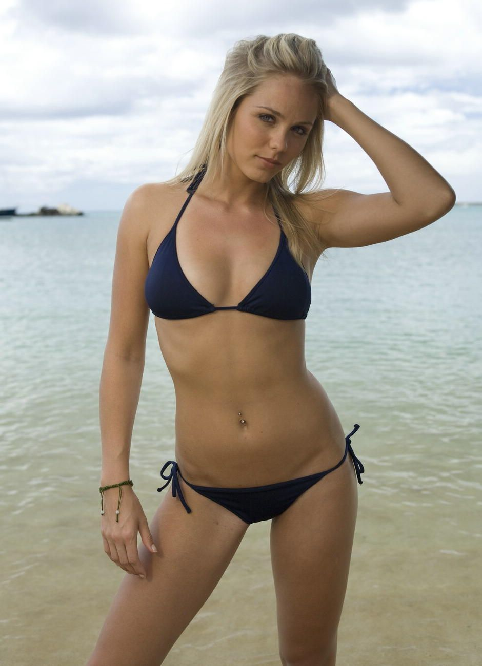 Bikiniriot 14 12 07 Sophie Dee Xxx