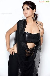 Poonam Kaur Latest nude hot spicy photo gallery 2011 ~ E two E