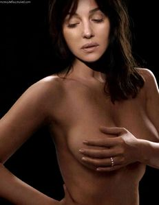 Monica Bellucci Topless Photo - Latest | Monica Bellucci Naked