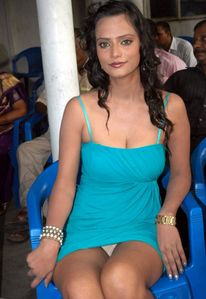 Shayirakhan - South Hot Actress Latest Oops Upskirt Photogallery