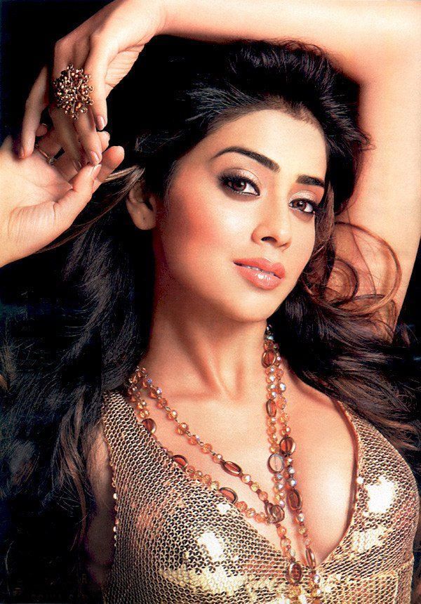 Shriya Saran Nude Wallpap