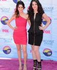 Teen Choice Awards 2012 Pink Carpet Fashion