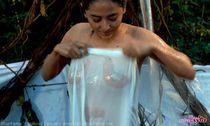 MouMouGi: Foto Syur Dewi Persik di Film Pacar Hantu Perawan