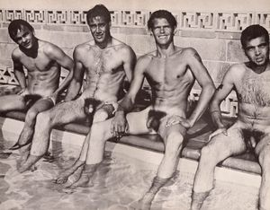 Naked amateur guys: Vintage men